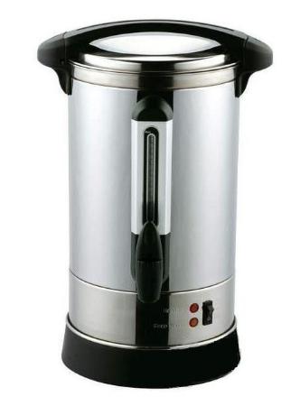 Výrobník čaje a horké vody