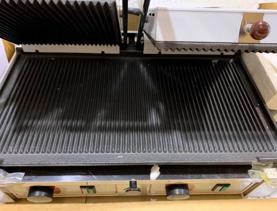B-Gril kontaktní rýhovaný PD 1020 R ocelový elektrický