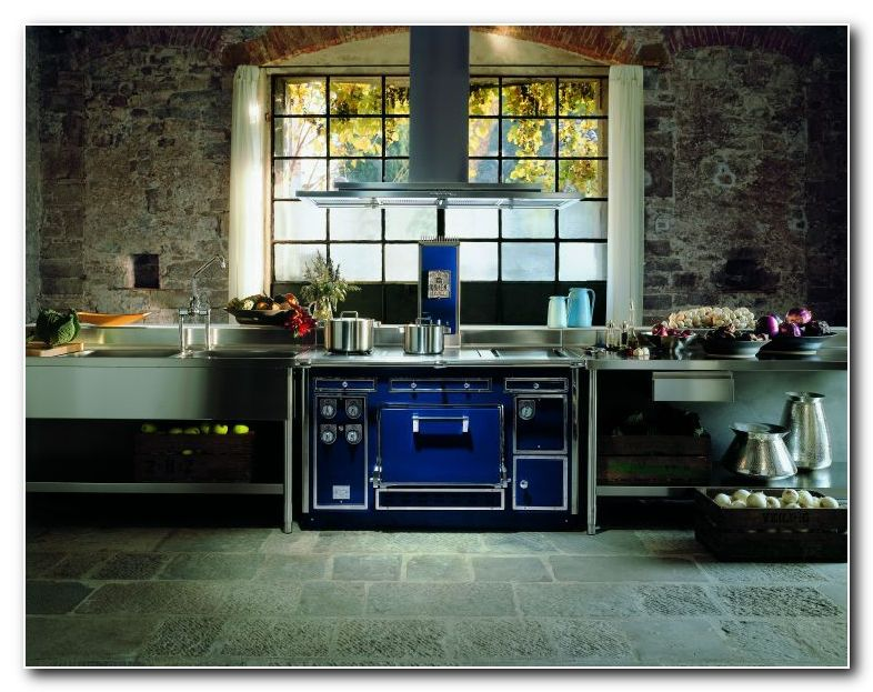 molteni-domestic-blue.jpg